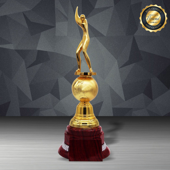 EXCLUSIVE WHITE SILVER TROPHY